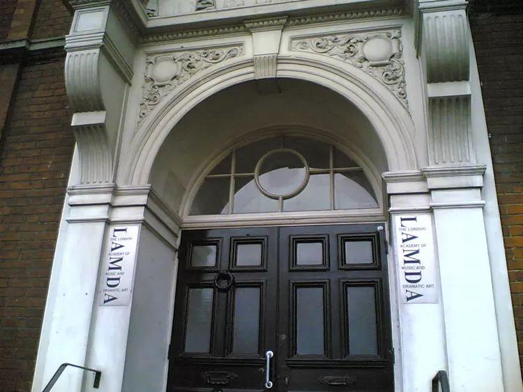 位于 Talgarth Road 的 LAMDA 主建筑